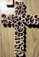 Oak cross; Early experiment with a free pattern
